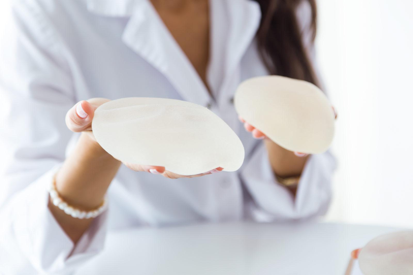 ¿Cómo se corrigen las mamas tuberosas?